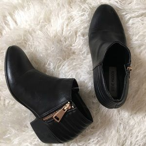 Steve Madden black ankle boot